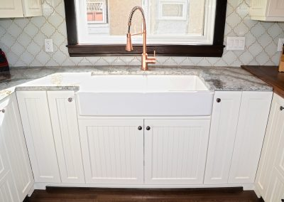 shaker-door-painted-french-porcelin-sink-kitchen